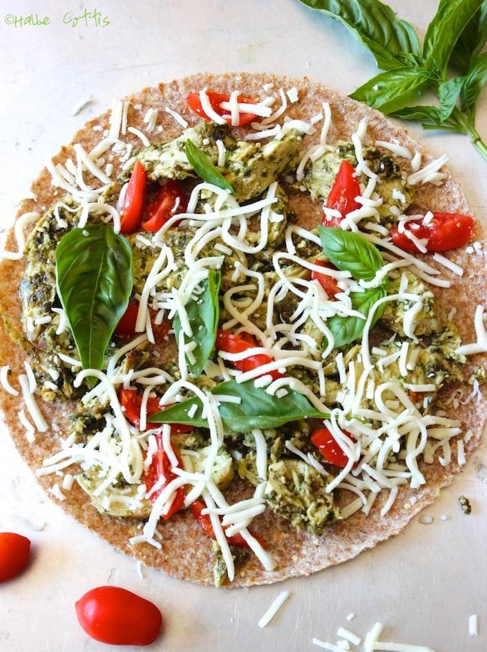 Organic pesto chicken pizza recipe whole lifestyle nutrition organic pesto pizza recipe wholelifestylenutrition forumfinder Image collections