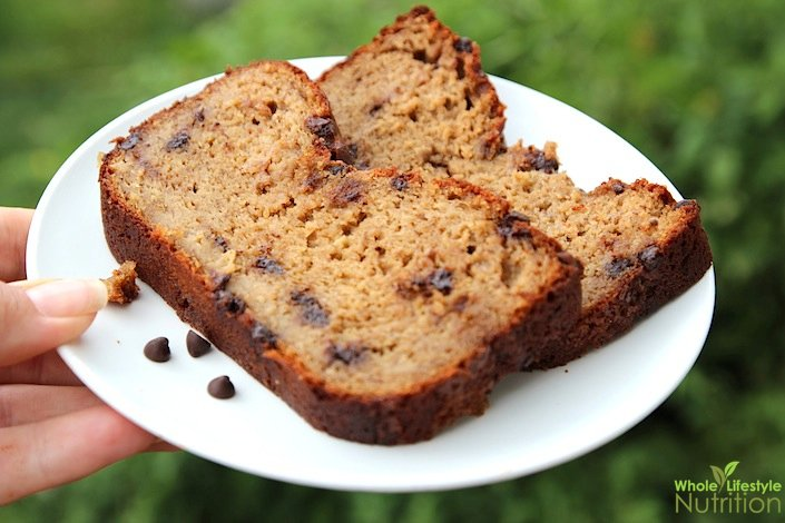 Chocolate Chip Banana Nut Bread | WholeLifestyleNutrition.com